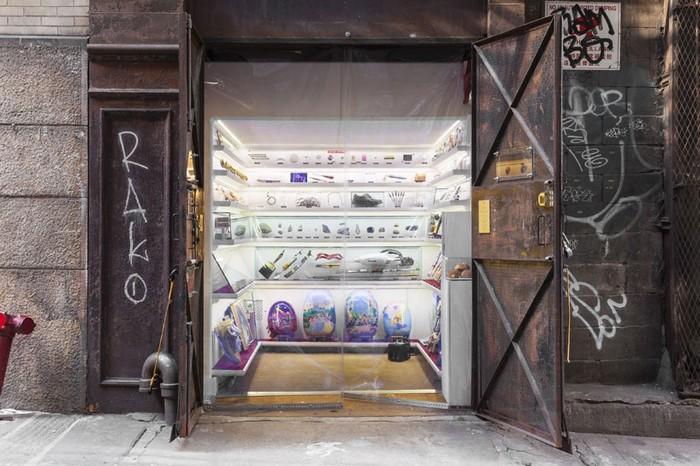 popup-museum-nyc-elevator-1